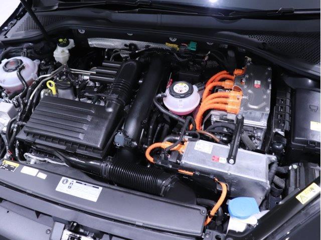 各種保険もお取扱いしております。Volkswagenのお車はディーラーでご加入いただくと様々な補償が無償付帯されます。