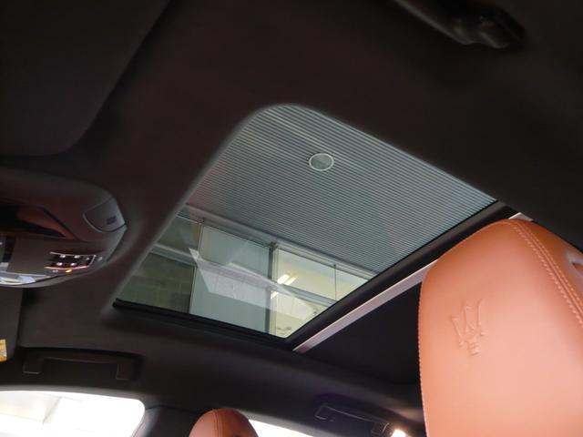 「マセラティ」「レヴァンテ」「SUV・クロカン」「広島県」の中古車12