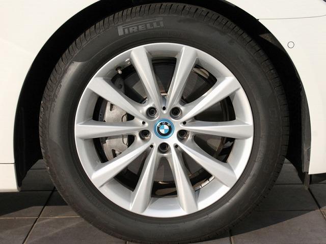 BMW BMW 740eアイパフォーマンス黒革 サンルーフACCプラスPKG