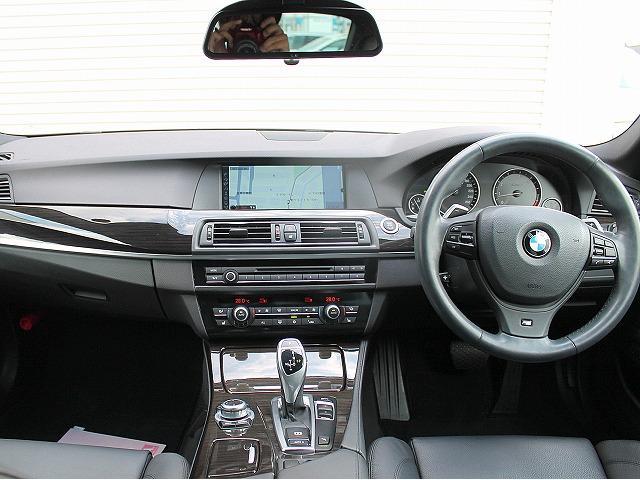 BMW BMW 528i Mスポーツパッケージ 6気筒モデル 黒革 18AW