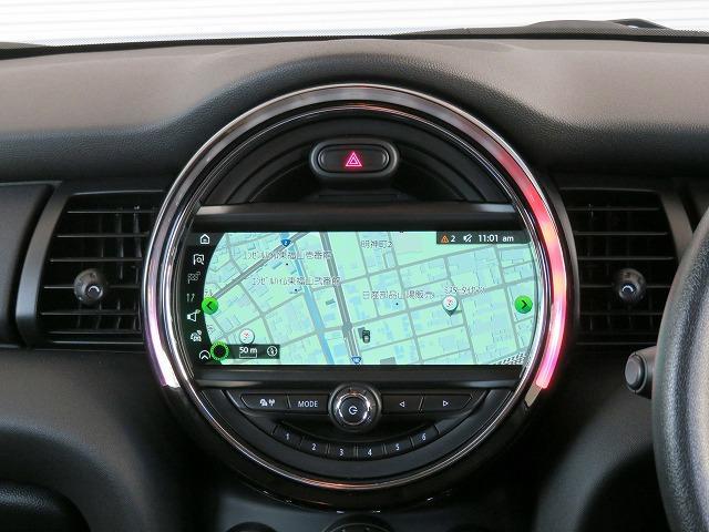 ヴィクトリア LEDヘッドライト 15AW マルチファンクション 純正ナビ iDriveナビ リアビューカメラ 認定中古車(3枚目)