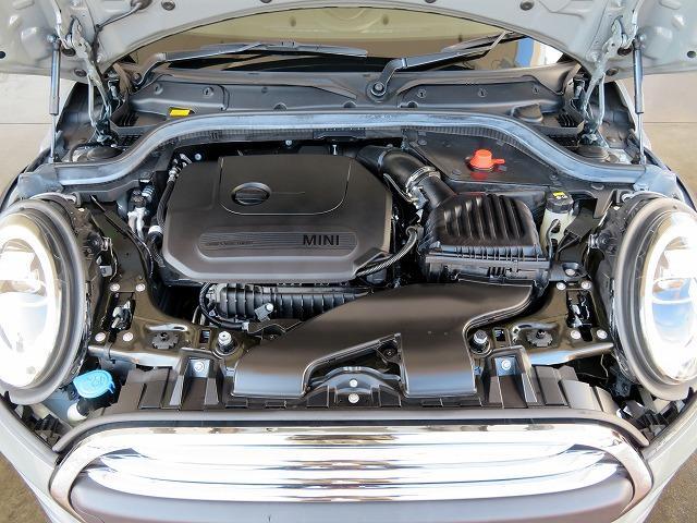 ヴィクトリア LEDヘッドライト 15AW マルチファンクション 純正ナビ iDriveナビ リアビューカメラ 認定中古車(19枚目)