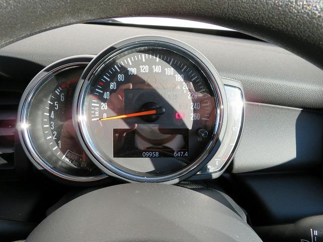 ヴィクトリア LEDヘッドライト 15AW 純正ナビ iDriveナビ 社外ETC 認定中古車(28枚目)