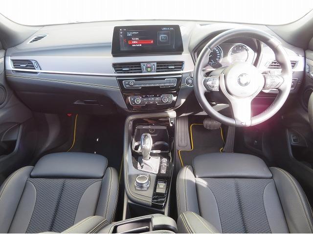 xDrive 18d MスポーツX コンフォートPKG LEDヘッドライト 19AW PDC オートトランク コンフォートアクセス シートヒーター 純正ナビ iDriveナビ リアビューカメラ HUD 純正ETC Aクルコン 認定中古車(3枚目)