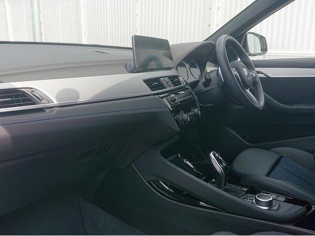 xDrive 18d Mスポーツ LEDライト 18AW PDC オートトランク スマートキー 純正ナビ Bカメラ レーンディパーチャーウォーニング 認定中古車(5枚目)