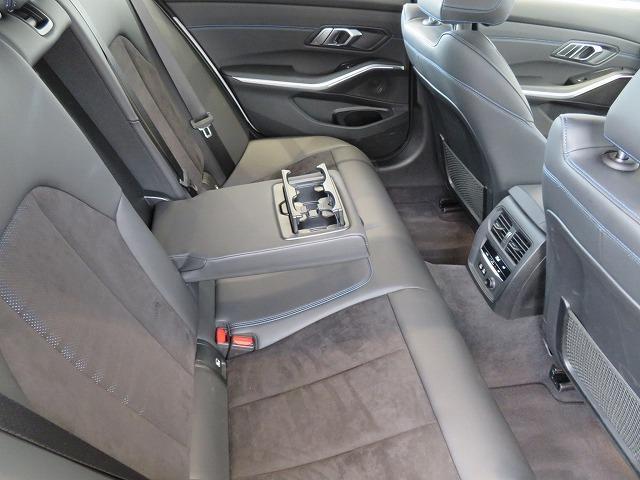 320d xDriveツーリング Mスポーツ コンフォートPKG LEDヘッドライト 18AW PDC オートトランク コンフォートアクセス シートヒーター 純正ナビ iDriveナビ トップ リアビューカメラ 純正ETC Aクルコン 認定中古車(8枚目)