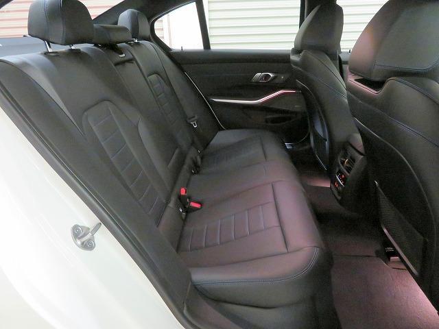 M340i xDrive パーキングアシストプラス レーザーライト 19AW 黒革 純正ナビ フルセグ ヘッドアップディスプレイ ハーマンカードンサラウンドシステム アクティブクルーズコントロール 認定中古車(3枚目)