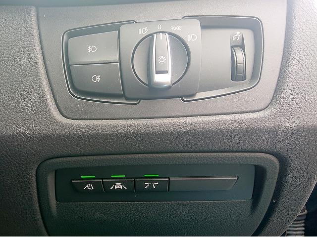 318i Mスポーツ MS LEDヘッドライト 18AW リアPDC コンフォートアクセス 純正ナビ iDriveナビ 地デジ フルセグ リアビューカメラ 純正ETC レーンチェンジ 車線逸脱 Aクルコン 認定中古車(12枚目)
