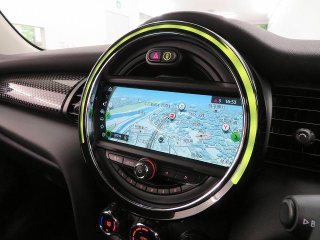 クーパーSD LEDヘッドライト 17AW ブラックルーフ コンフォートアクセス マルチファンクション 純正ナビ iDriveナビ リアビューカメラ HUD 純正ETC アクティブクルーズ コントロール 認定中古車(7枚目)
