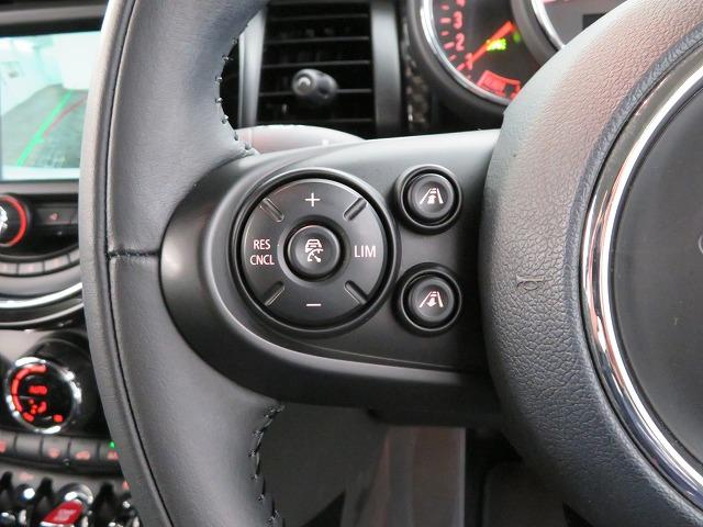 クーパーSD LEDヘッドライト 17AW ブラックルーフ コンフォートアクセス マルチファンクション 純正ナビ iDriveナビ リアビューカメラ HUD 純正ETC アクティブクルーズ コントロール 認定中古車(10枚目)