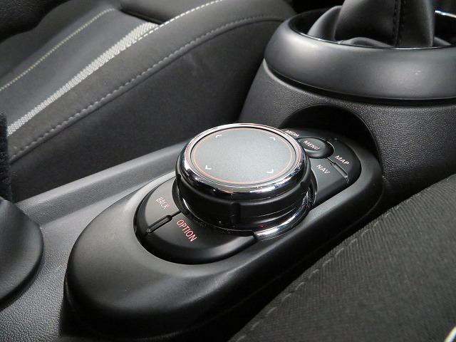 クーパーSD LEDヘッドライト 17AW ブラックルーフ コンフォートアクセス マルチファンクション 純正ナビ iDriveナビ リアビューカメラ HUD 純正ETC アクティブクルーズ コントロール 認定中古車(12枚目)