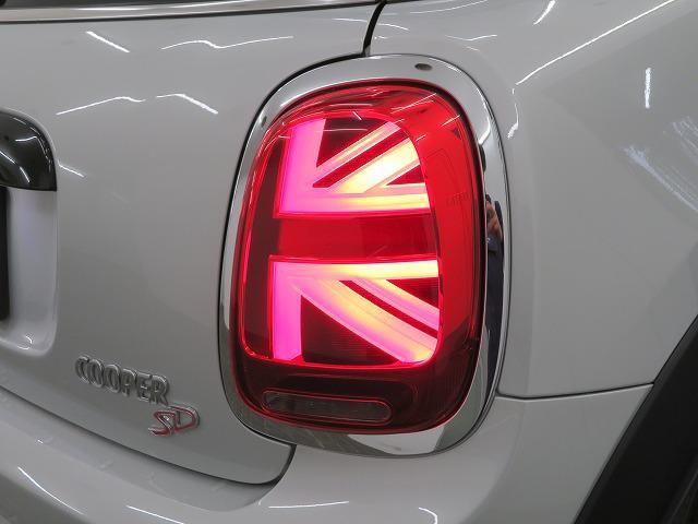 クーパーSD LEDヘッドライト 17AW ブラックルーフ コンフォートアクセス マルチファンクション 純正ナビ iDriveナビ リアビューカメラ HUD 純正ETC アクティブクルーズ コントロール 認定中古車(23枚目)