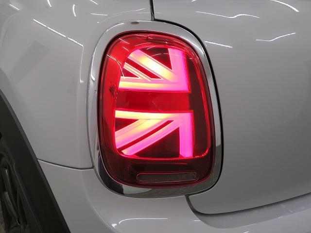 クーパーSD LEDヘッドライト 17AW ブラックルーフ コンフォートアクセス マルチファンクション 純正ナビ iDriveナビ リアビューカメラ HUD 純正ETC アクティブクルーズ コントロール 認定中古車(24枚目)