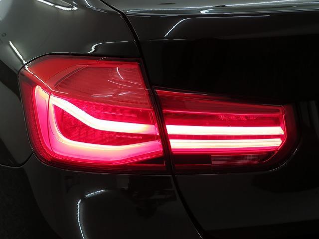 318i ラグジュアリー LEDライト 17AW リアPDC コンフォートアクセス レザーシート iDriveナビ リアビューカメラ 純正ETC レーンチェンジ&ディパーチャーウォーニング クルーズコントロール 認定中古車(30枚目)