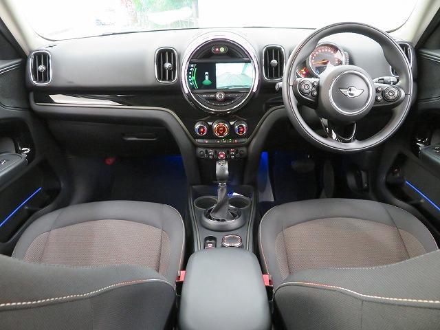 クーパーD クロスオーバー LEDライト 17AW PDC ホワイトルーフ オートトランク コンフォートアクセス マルチファンクション 純正ナビ Bカメラ 純正ETC アクティブクルーズコントロール ストップ&ゴー 認定中古車(5枚目)