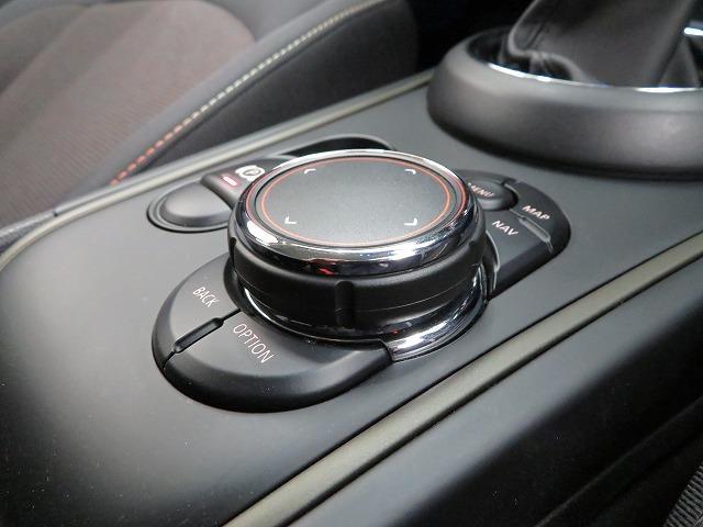 クーパーD クロスオーバー LEDライト 17AW PDC ホワイトルーフ オートトランク コンフォートアクセス マルチファンクション 純正ナビ Bカメラ 純正ETC アクティブクルーズコントロール ストップ&ゴー 認定中古車(11枚目)