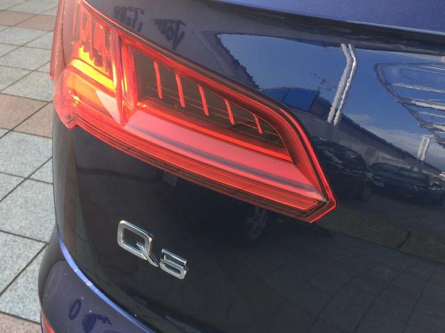 LEDを使用したテールランプは、視認性が高く、デザインのアクセントにもなっています。Audiの高いライティング技術とハイセンスなデザインをお楽しみ頂けます。
