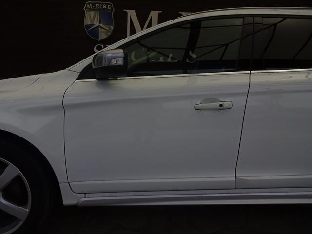 ボルボ ボルボ XC60 T6 AWD Rデザイン ワンオーナー シティセイフティー