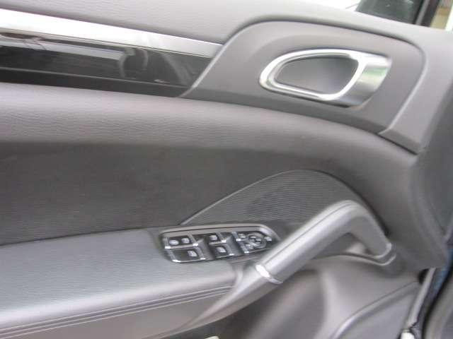 ポルシェ ポルシェ カイエン S ティプトロニックS  D車 1オーナー 禁煙車 屋内保管