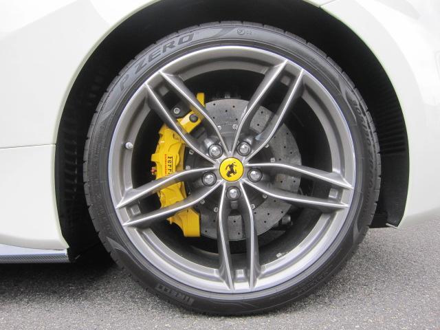 アルミホイールに傷はありません タイヤの山は充分あります