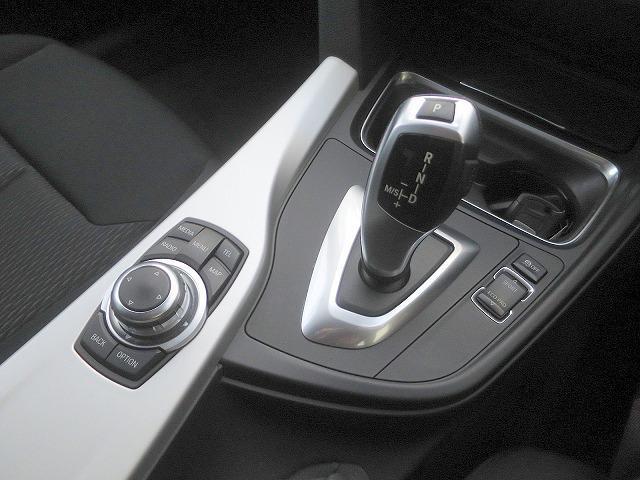 BMW BMW 320iスマートキー Bカメラ 純正iDriveナビ
