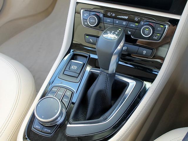 218d xDriveアクティブツアラーラグジュアリ 本革(10枚目)