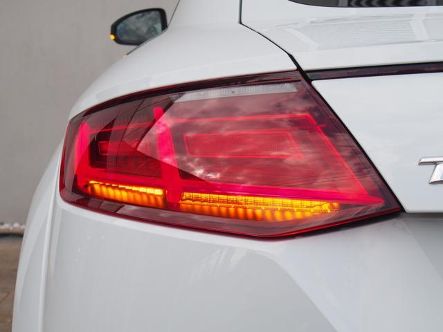 アウディ アウディ TTクーペ 1.8TFSI1stED S-lineエクステリア認定中古車