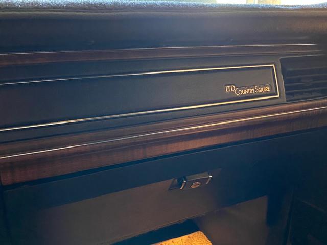 「フォード」「フォード クラウンヴィクトリア」「セダン」「岡山県」の中古車11