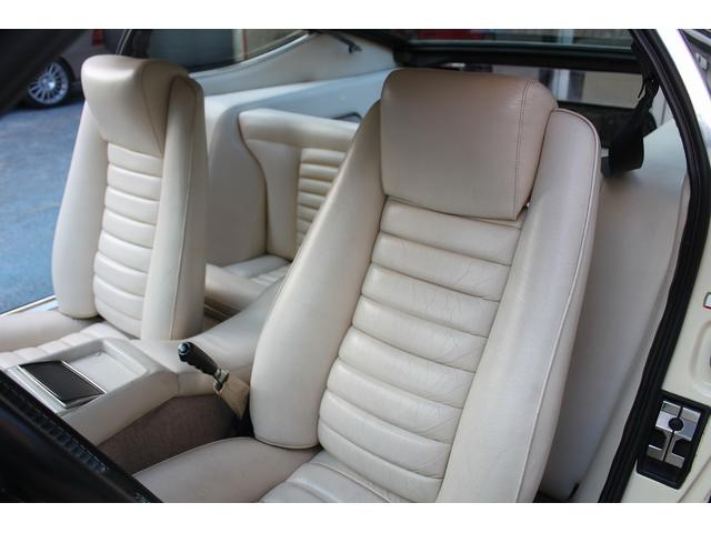 マセラティ マセラティ カムジン クーペV8 4.9L ヨーロッパ新車並行車