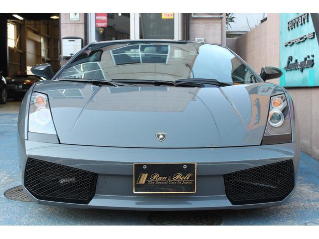 ★ディーラー車のガヤルドレジェーラの入庫ですよ♪オプションカラー色の綺麗なお車です♪純正の車輌です♪
