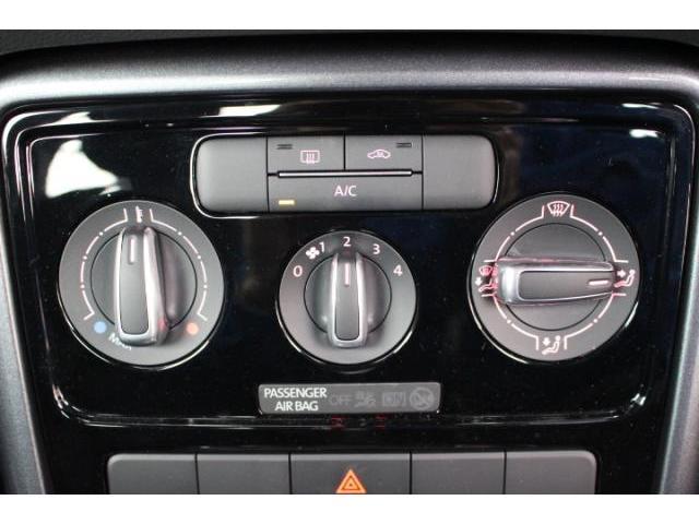 フォルクスワーゲン VW ザ・ビートル デザイン 地デジ対応ナビ ETC キセノンヘッドライト