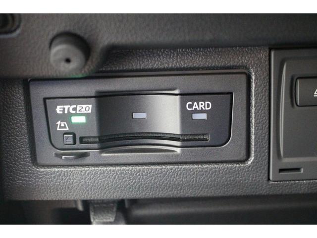 高速道路利用時便利なETC車載機が装備されています。
