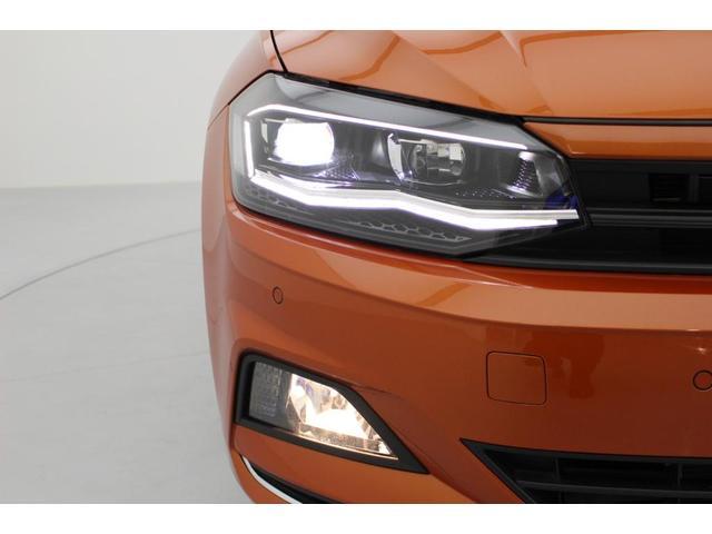 LEDヘッドライトは高い視認性を確保しながら明るく遠くまで照らしてくれます。