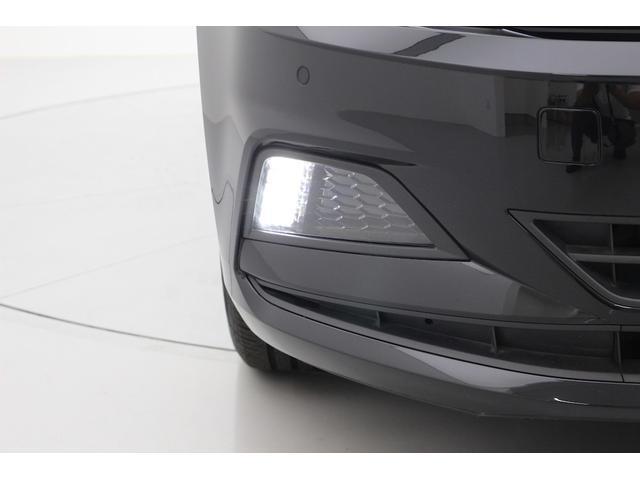 車両の前後にはセンサー(パークディスタンスコントロール)がついておりますので、音で物との間隔を教えてくれます。