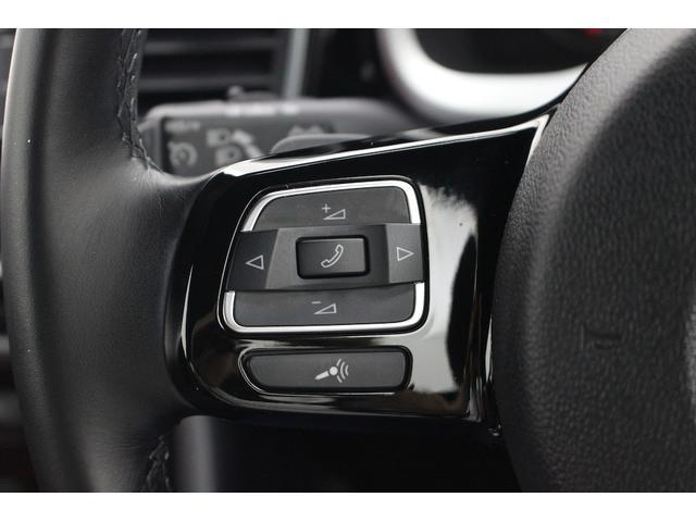 マルチファンクションインジケーター(時刻、瞬間/平均燃費、走行距離、平均速度、運転時間、外気温度)、シートベルト警告装置。