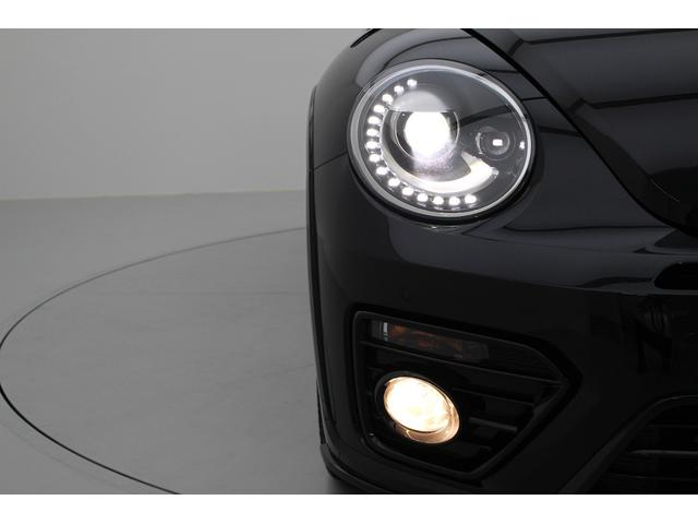 バイキセノンヘッドライト、LEDポジションランプがフロントフェイスを表情豊かにします。 フロントフォグライトは濃霧や吹雪の際の視界確保を助ける安全装置です。
