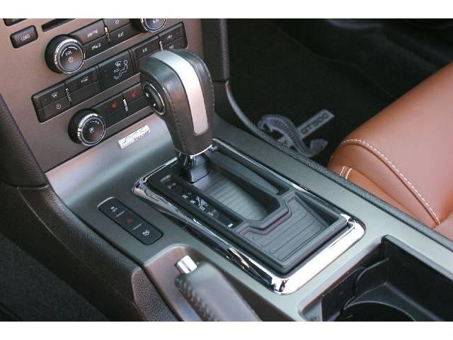 フォード フォード マスタング V8 GTコンバーチブル プレミアム ディーラー車