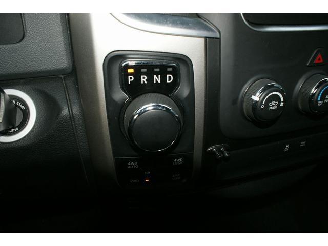 クワッドキャブ5.7Lベンチシート4WD CARFAX有り(11枚目)