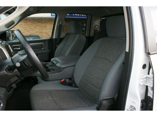 クワッドキャブ5.7Lベンチシート4WD CARFAX有り(13枚目)