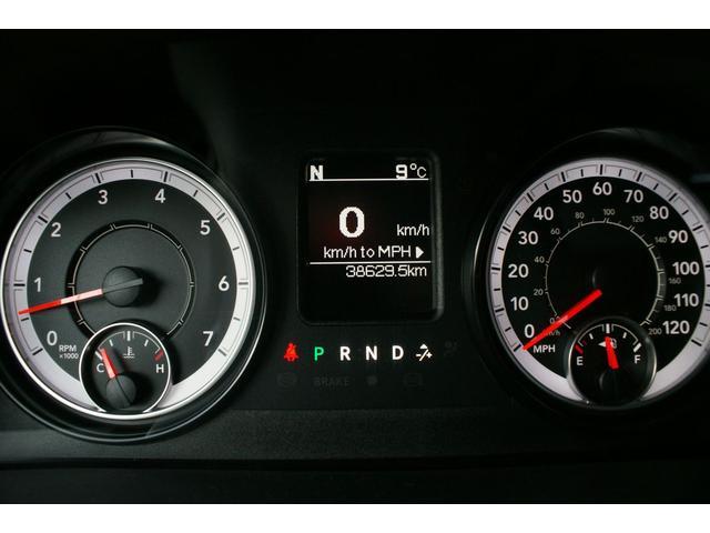 クワッドキャブ5.7Lベンチシート4WD CARFAX有り(16枚目)