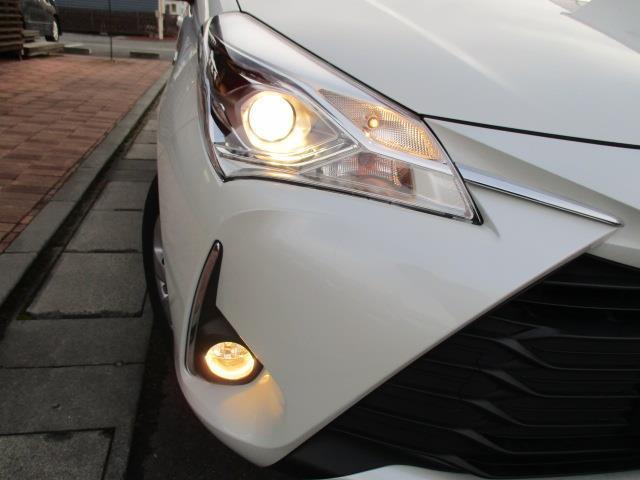 トヨタ ヴィッツ ハイブリッドF 1年間走行無制限保証