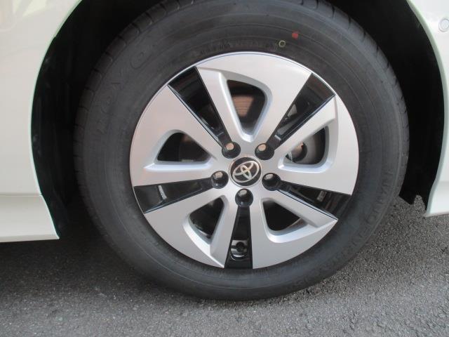 トヨタ プリウス A 1年間走行無制限保証