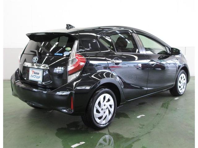 ナンバープレート位置に書かれたTバリューの文字はトヨタが認定する高品質ユーカーです。安心してお選びください。