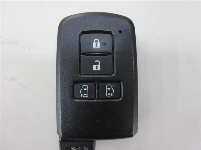 Gi 4WD SDナビフルセグ 後席モニター 両側電動 7人(15枚目)