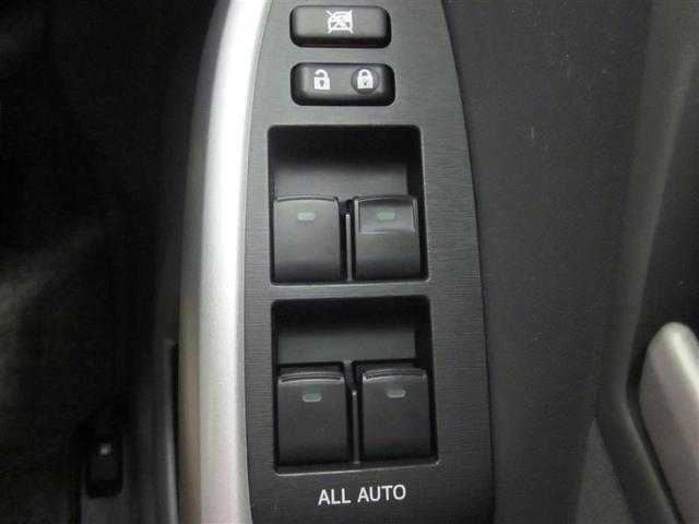 乗員全員が快適に操作できる、全席オート機構付ワンタッチパワーウィンドウが付いています。
