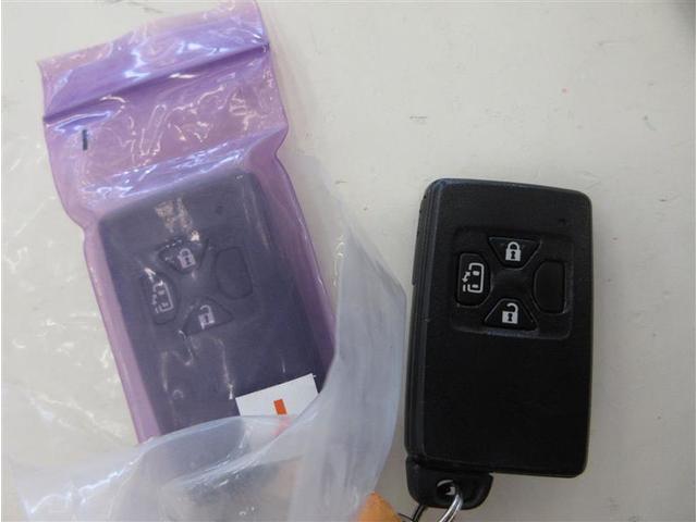 プラタナ Vセレクション ワンセグ メモリーナビ ミュージックプレイヤー接続可 バックカメラ ETC 電動スライドドア HIDヘッドライト ウオークスルー 乗車定員7人 3列シート ワンオーナー(17枚目)