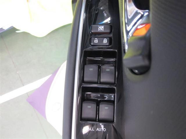 乗員全員が快適に操作できる、全席オート機構付ワンタッチパワーウィンドウがついています。