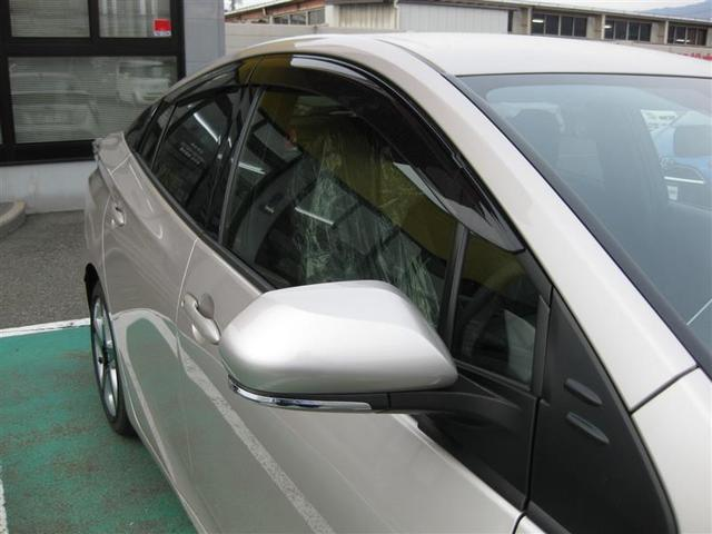 トヨタ プリウス Sツーリングセレクション 1年間走行無制限保証