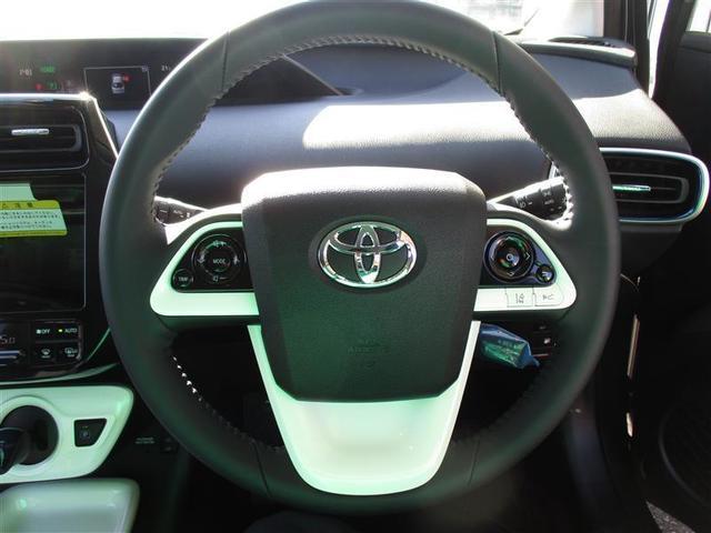 トヨタ プリウス Aツーリングセレクション 4WD 1年間走行無制限保証