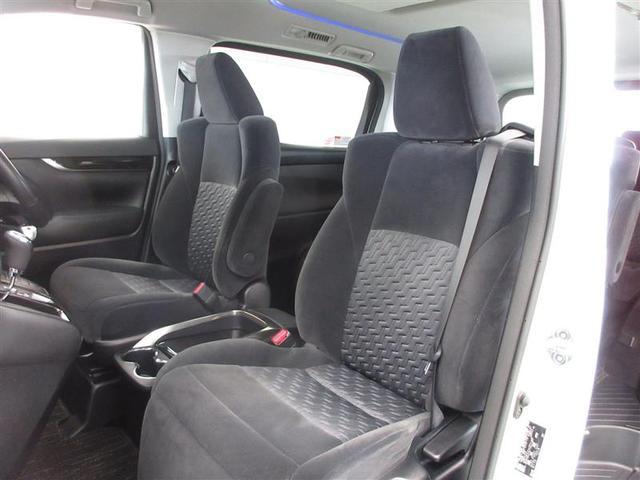 助手席はかってないシートアレンジが楽しめる、1160ミリのスーパーロングスライドシート。